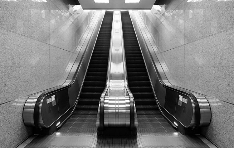 Instalación de escaleras mecánicas